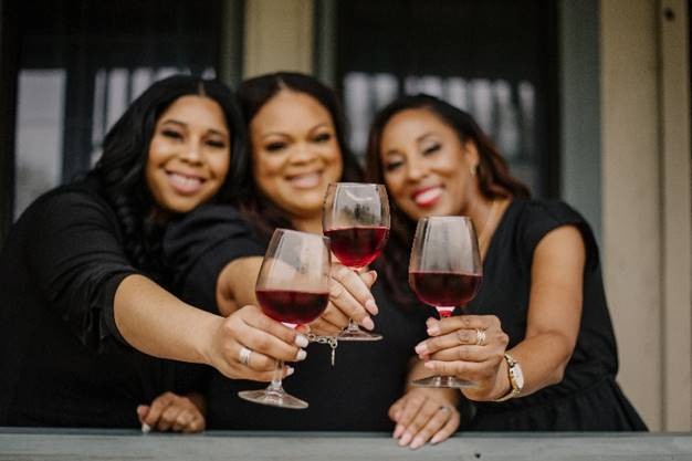 """Featured image for """"Waters Edge Wineries Signs Franchise Agreement to Expand Presence in the Texas Market"""""""
